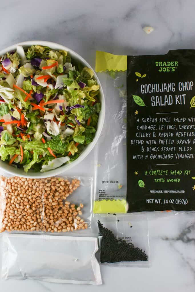 What comes in a bag of Trader Joe's Gochujang Chop Salad Kit